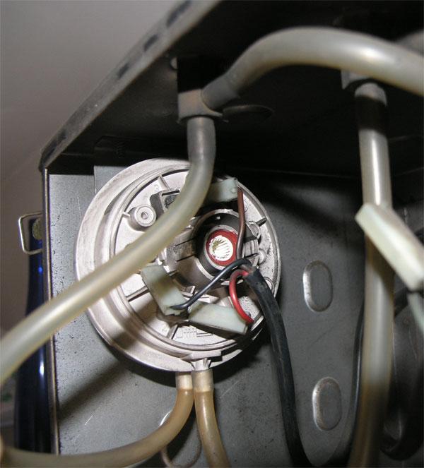 Pressostato caldaia funzionamento e manutenzione - Caldaia manutenzione ...